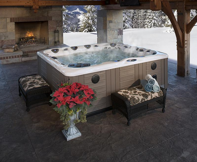 MP Legend Series Lifestyle Hot Tubs